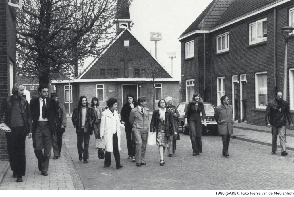 afb. art-01 - Eindhovense raadsleden op excursie in philipsdorp